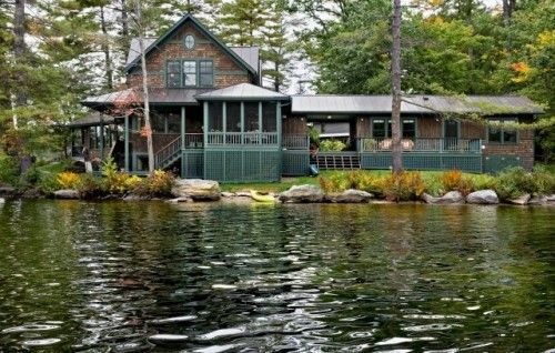 oh my I need a lake house in my life.