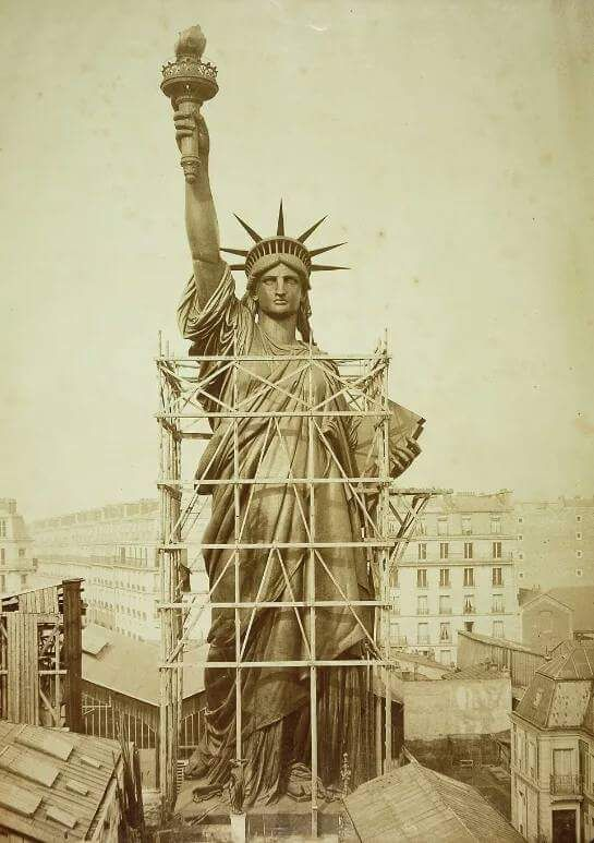 construction of the statue of liberty 1885 vintage photography rh pinterest com