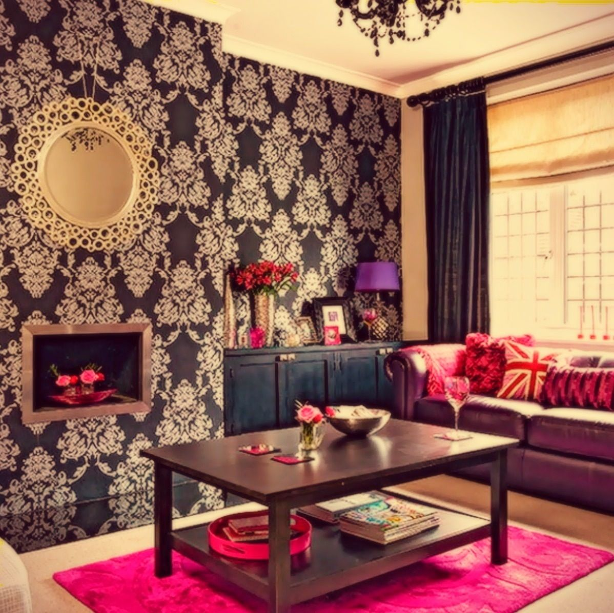 i love the wallpaper and the red accents in this room interior rh pinterest co uk