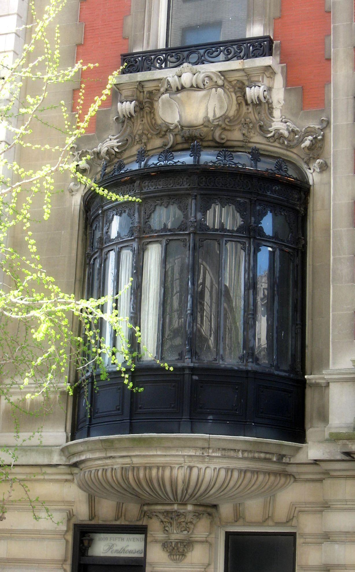 Bay Window Brownstone In New York S Upper West Side
