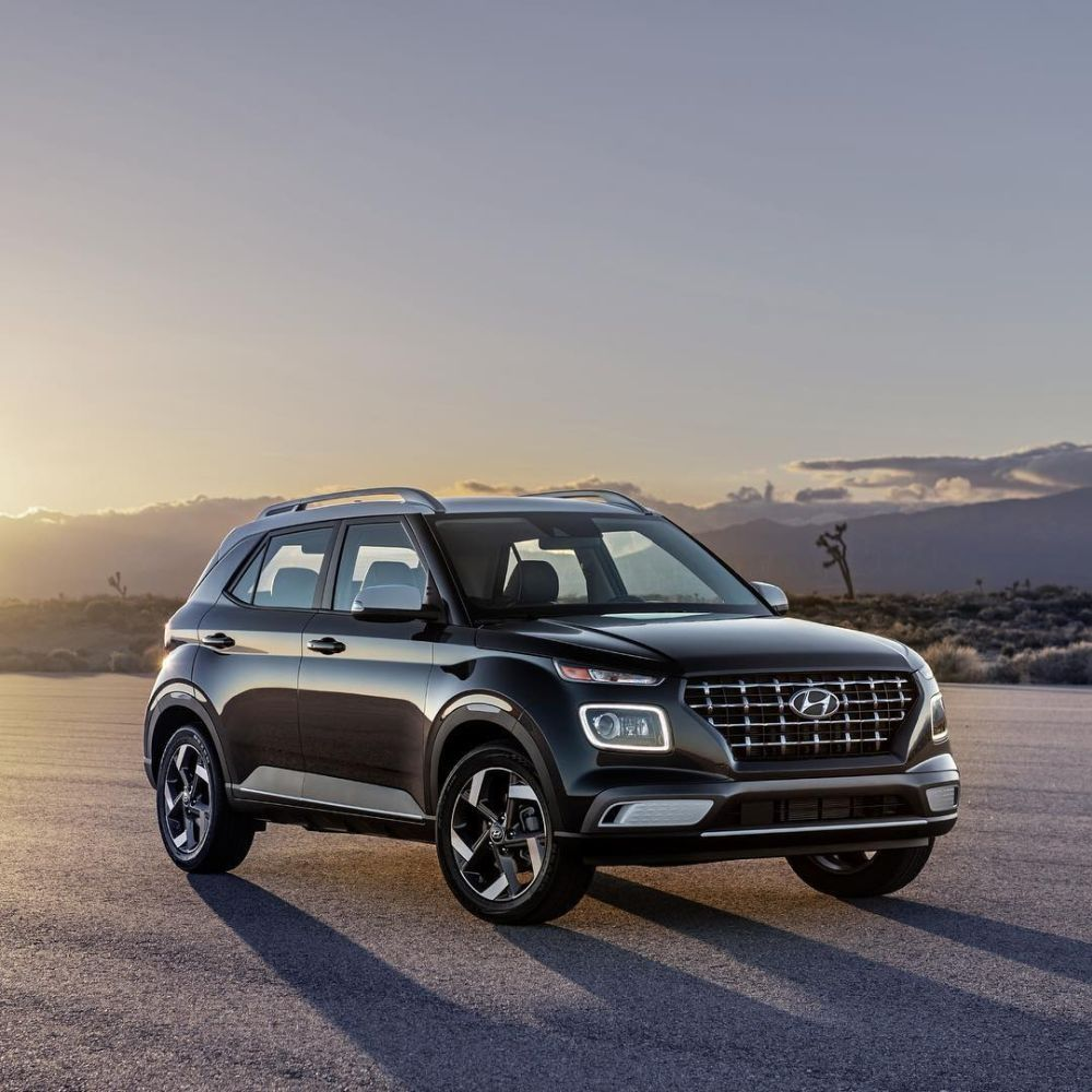 At The 2019 New York International Auto Show Hyundai Presented Its All New 2020 Venue The Most Recent Suv To Join Its Growing It Hyundai Hyundai Suv New Cars