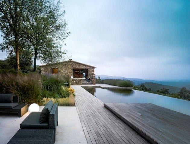 Infinity pool at a catalan farmhouse in girona spain arq pinterest piscinas - Piscina en catalan ...