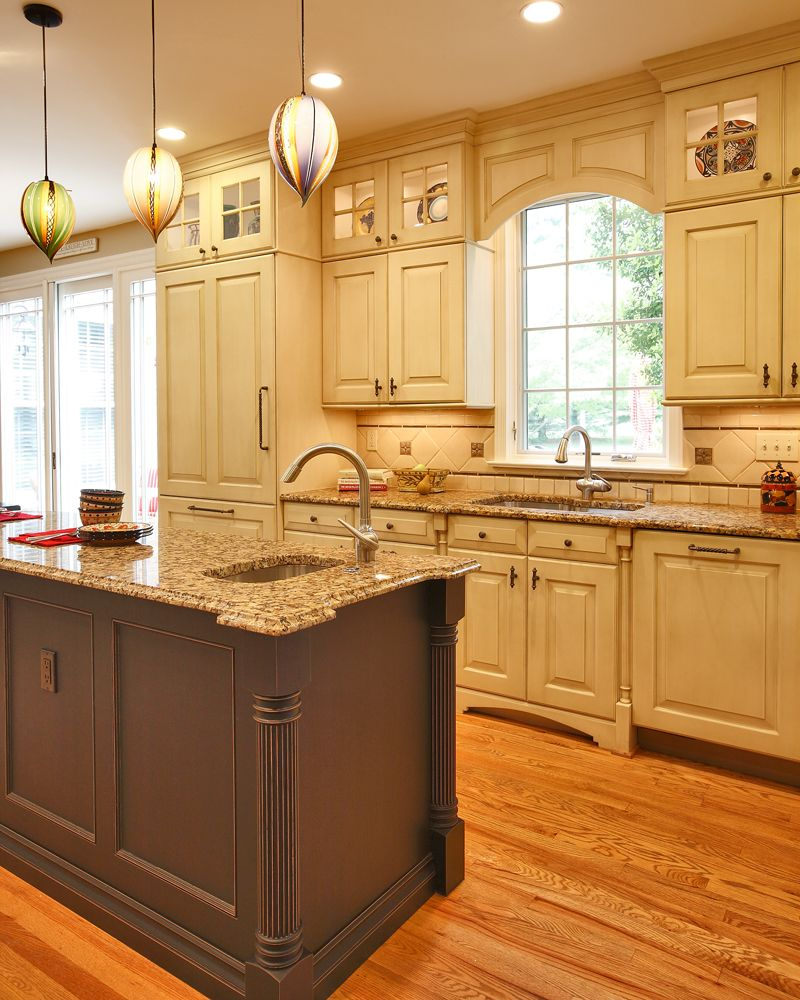 Nice View Of The Hand Blown Pendant Lights Sink Base Cabinet With Furniture Style Legs Makes A Nice Statement Old World Kitchens Kitchen Design Kitchen