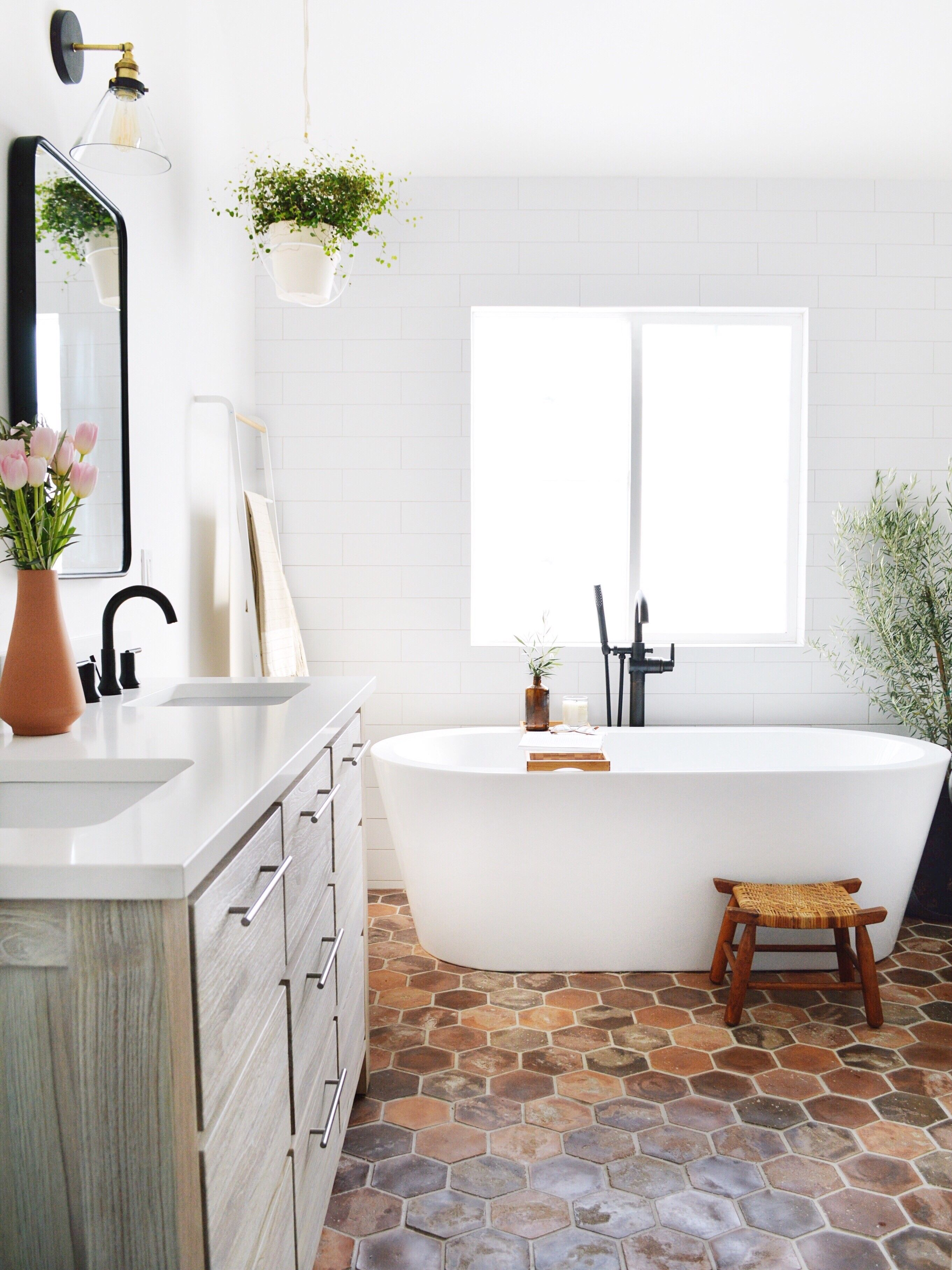 Leith Acrylic Freestanding Tub Spanish Style Bathrooms Modern Bathroom Design Traditional Bathroom