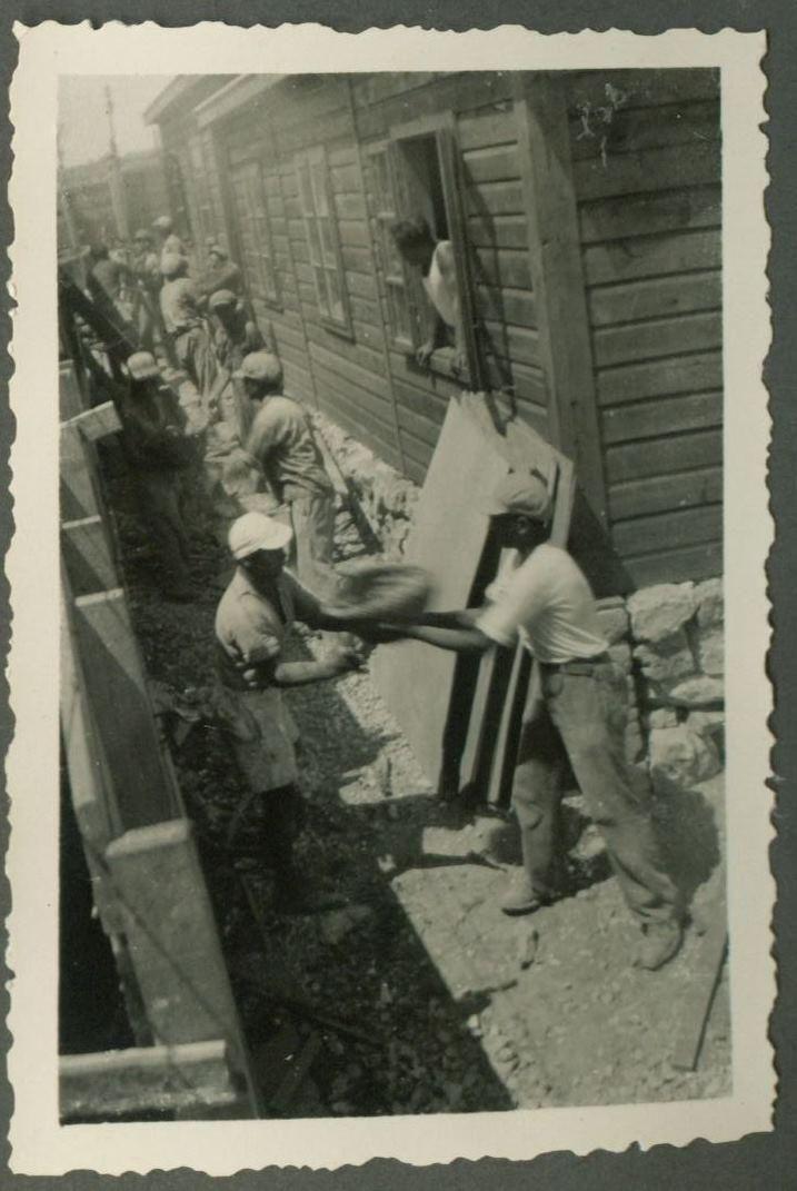 בנית החומה ביום העליה על הקרקע  של חניתה 1938 - 1