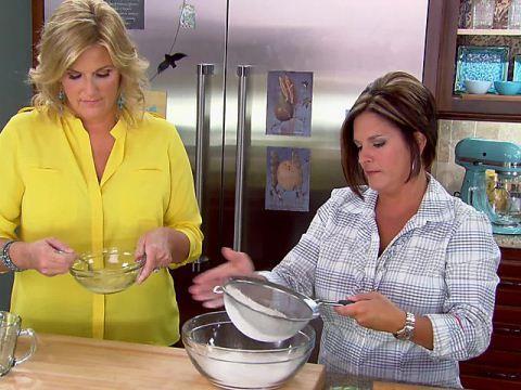 Trisha S Southern Kitchen Video Gallery Food Network Recipes Southern Kitchens Trisha S Southern Kitchen