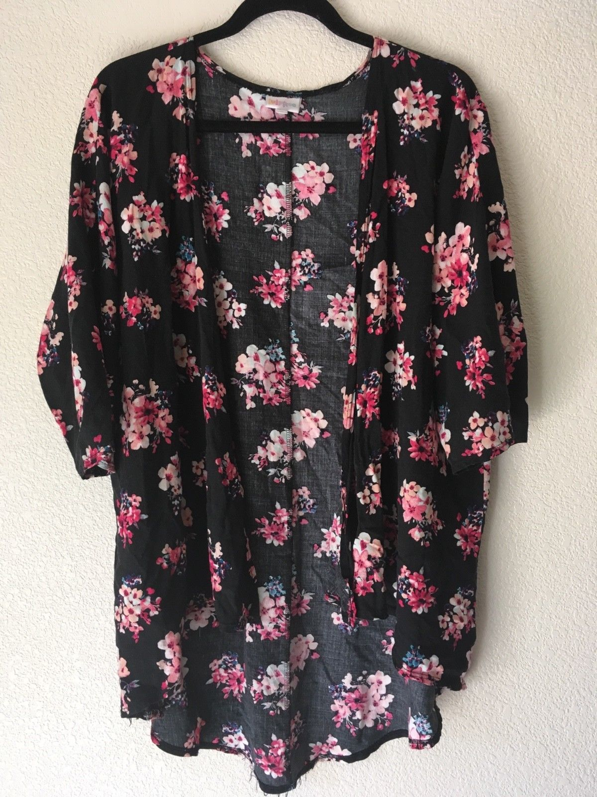 f665f91460ca Great Cond. Lularoe Lindsay cardigan black background with pink ...