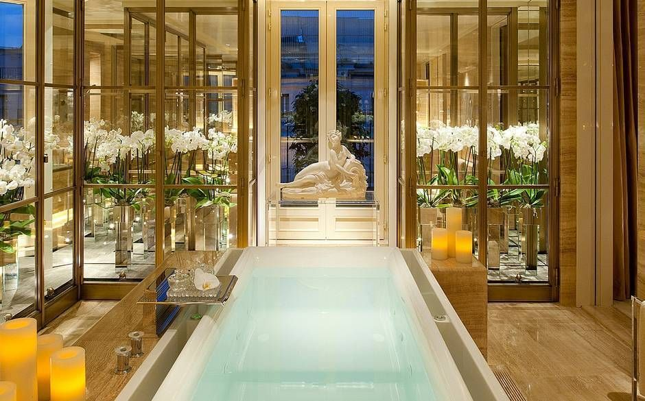 15 Breathtaking Hotel Bathrooms To Add Your Bucket List