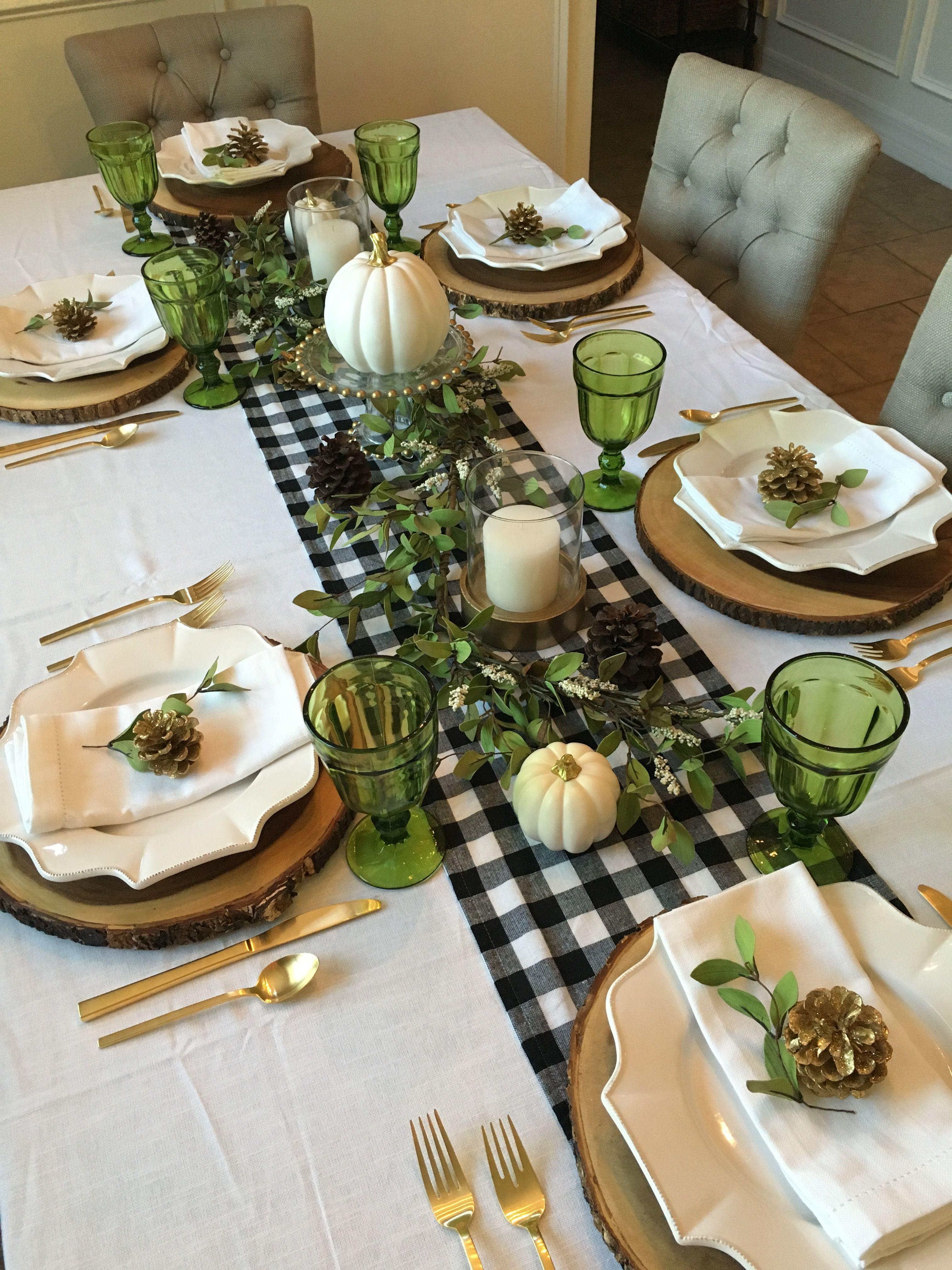 Black And White With Green Glasses Buffalo Check Decor Table Mesa Posta Para Jantar Mesa Posta Mesas De Jantar De Natal