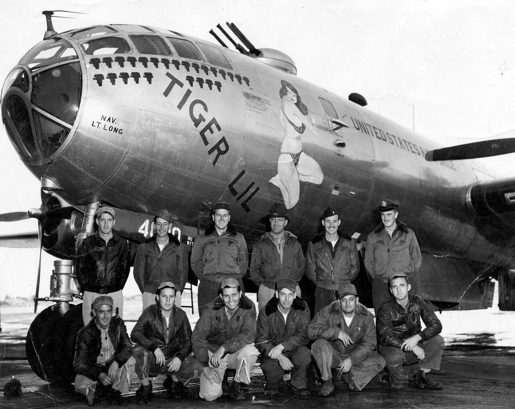 B-17 42-97880 Little Miss Mischief | Wwii bomber, Wwii