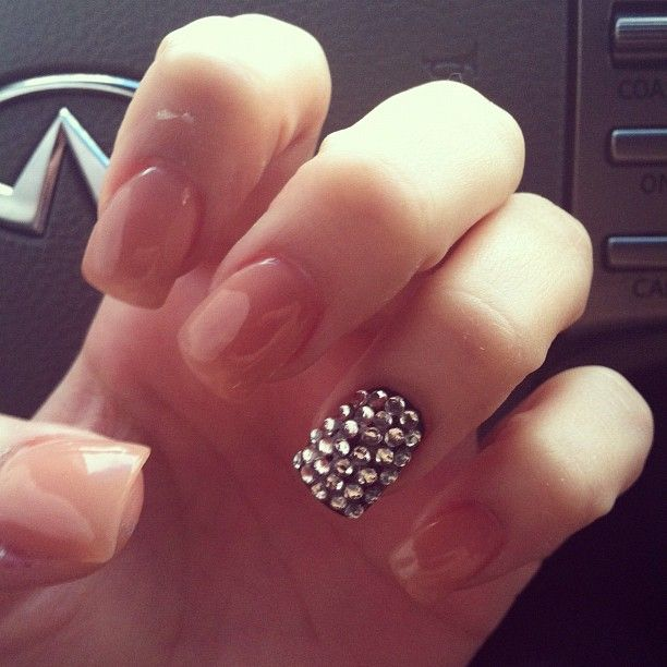 Loooooove. Except I think the nails of course would have to be magenta or royal blue. of course. #promnails