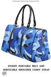 * Bolsa de viaje impermeable azul y negra de camuflaje abstracto de # Gravityx9 en Arts …, #Abstr …  – Bolsa
