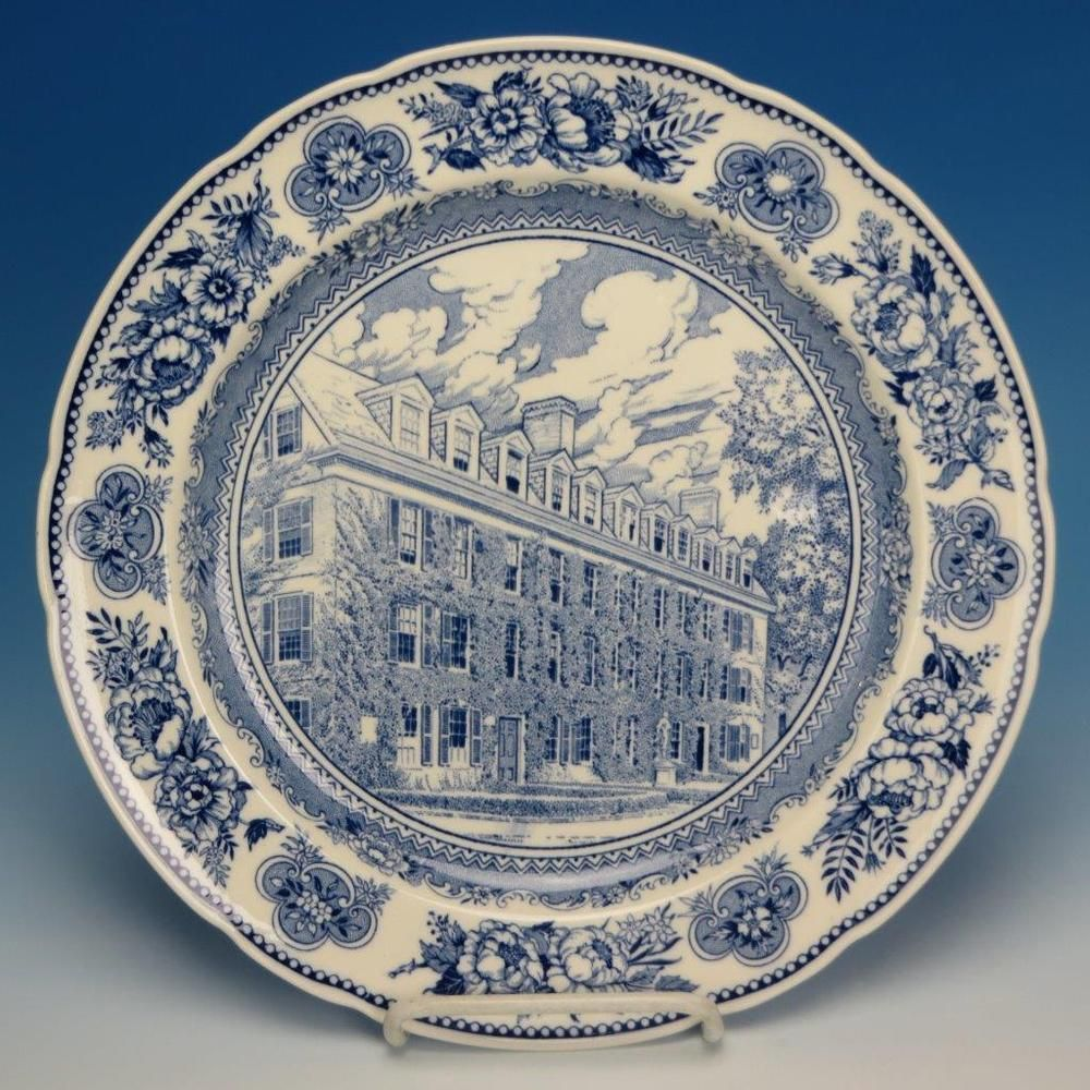 Wedgwood China Yale University 1931 Collector Plate Connecticut Hall 1752 Wedgwood Plates Connecticut