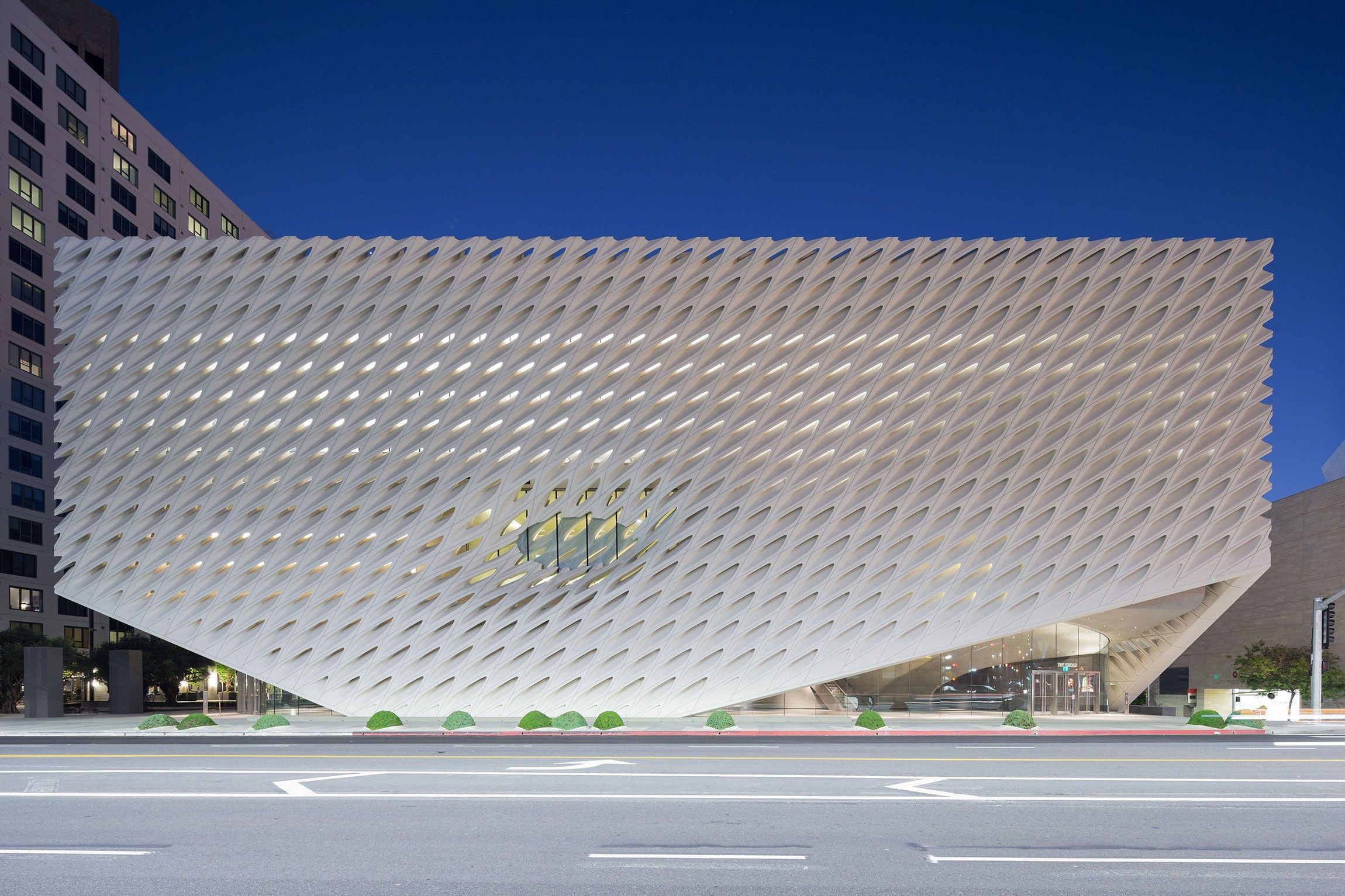 Tour 100 Of The Most Influential Buildings From The Last 100 Years The Broad Museum Museum Architecture Broad Museum Los Angeles