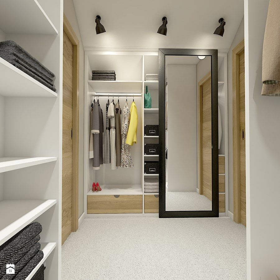 Lovely Walk In Closet Wardrobe