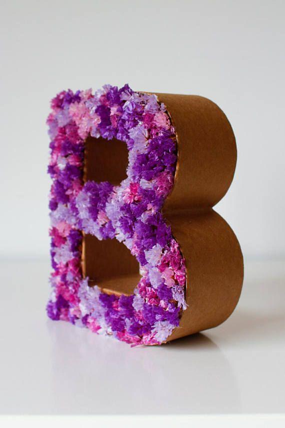 Letra con flores secas BE en tonos lilas rosados y morados de - flores secas