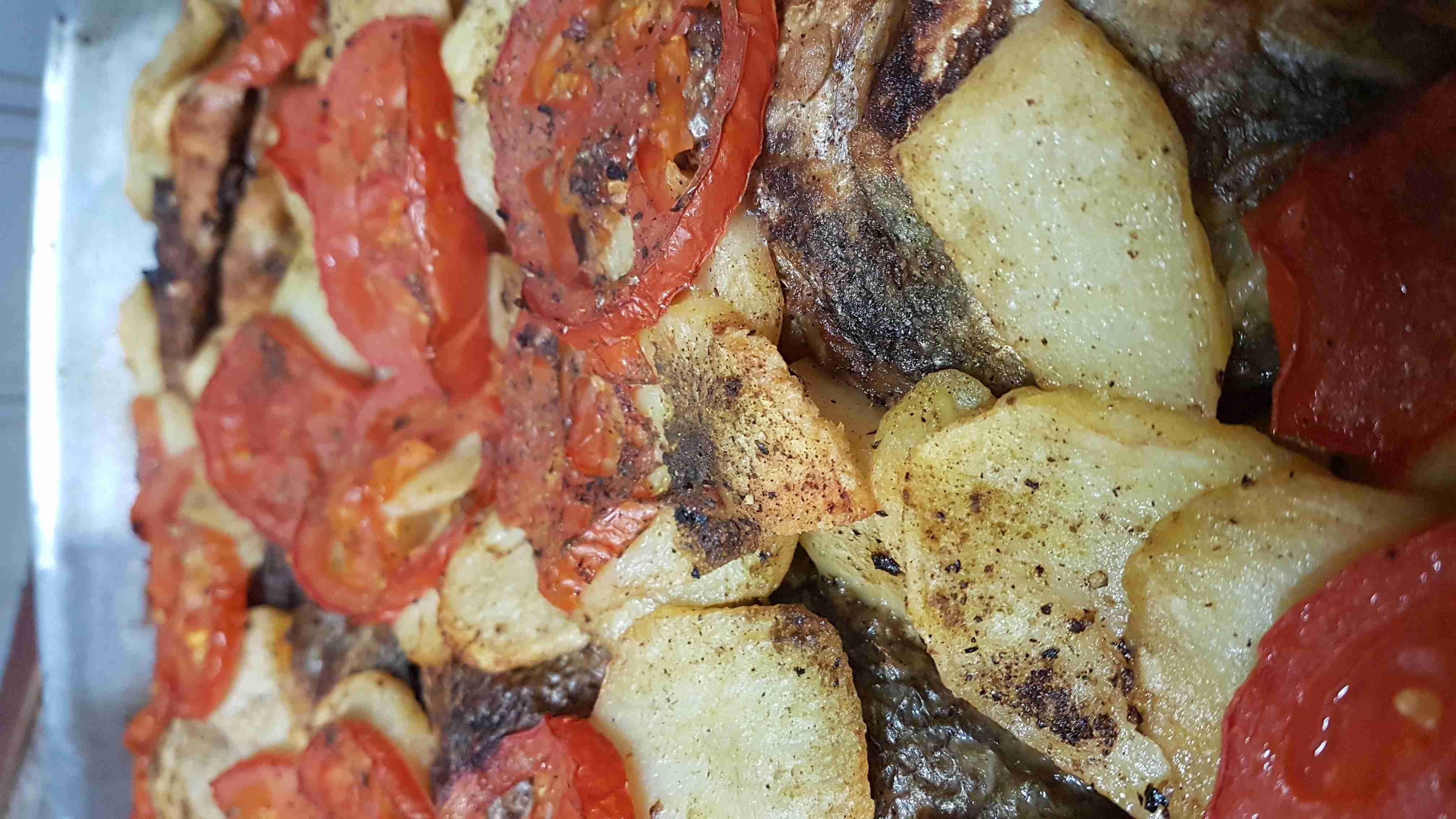 صينيه سمك مع البطاطا زاكي Main Dishes Dishes Food