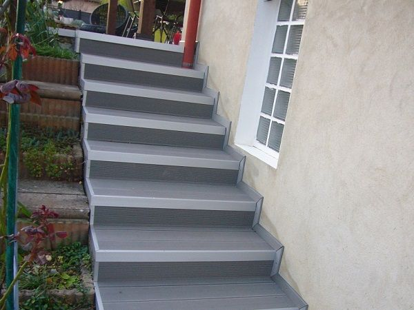 Pin by MDSA FRANCE on Gris anthracite Lame de terrasse composite - peinture pour sol beton
