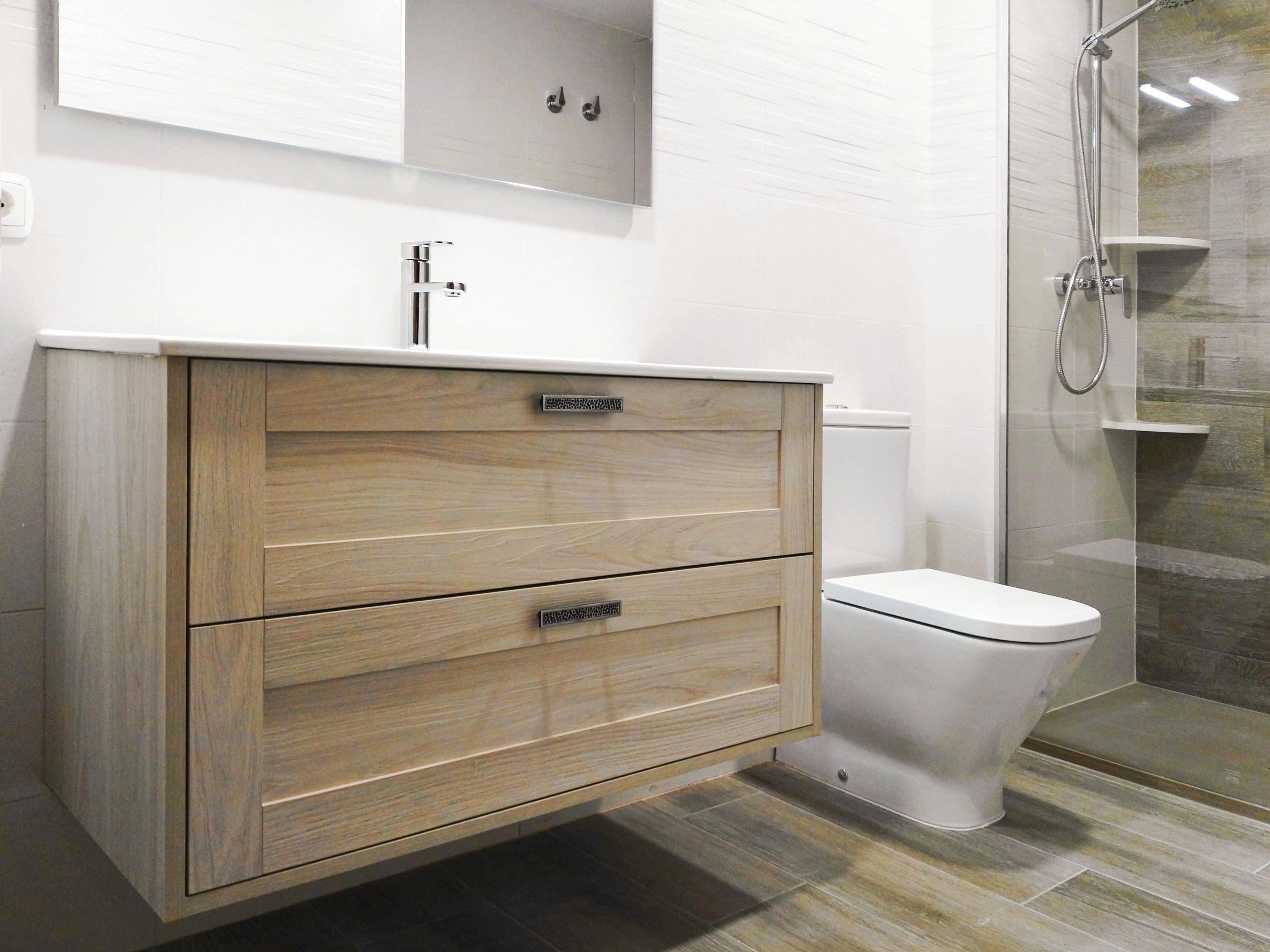 Cuarto de baño blanco y roble   Cuarto de baño blanco ...