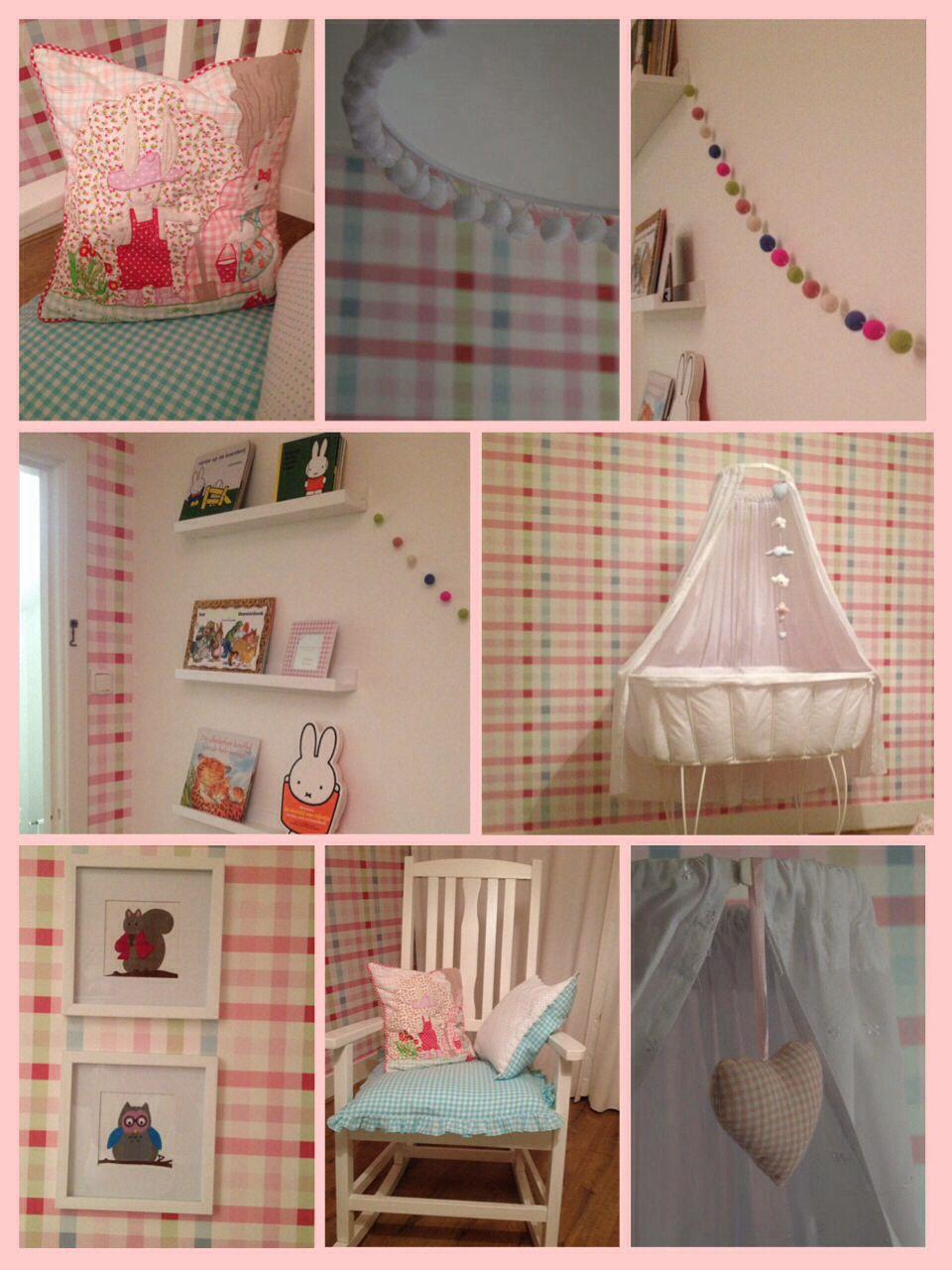 Room Seven Kussens.Mijn Babykamer Nursery Room Seven Multicheck Pink Wallpaper Room