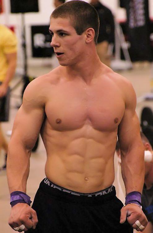 Appealing muscle lad