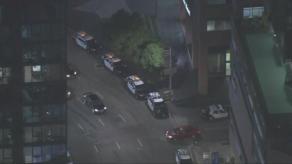 Shooting In Luxurious Building In Downtown Los Angeles Leaves One Dead Downtown Los Angeles Los Angeles Police Department Los Angeles