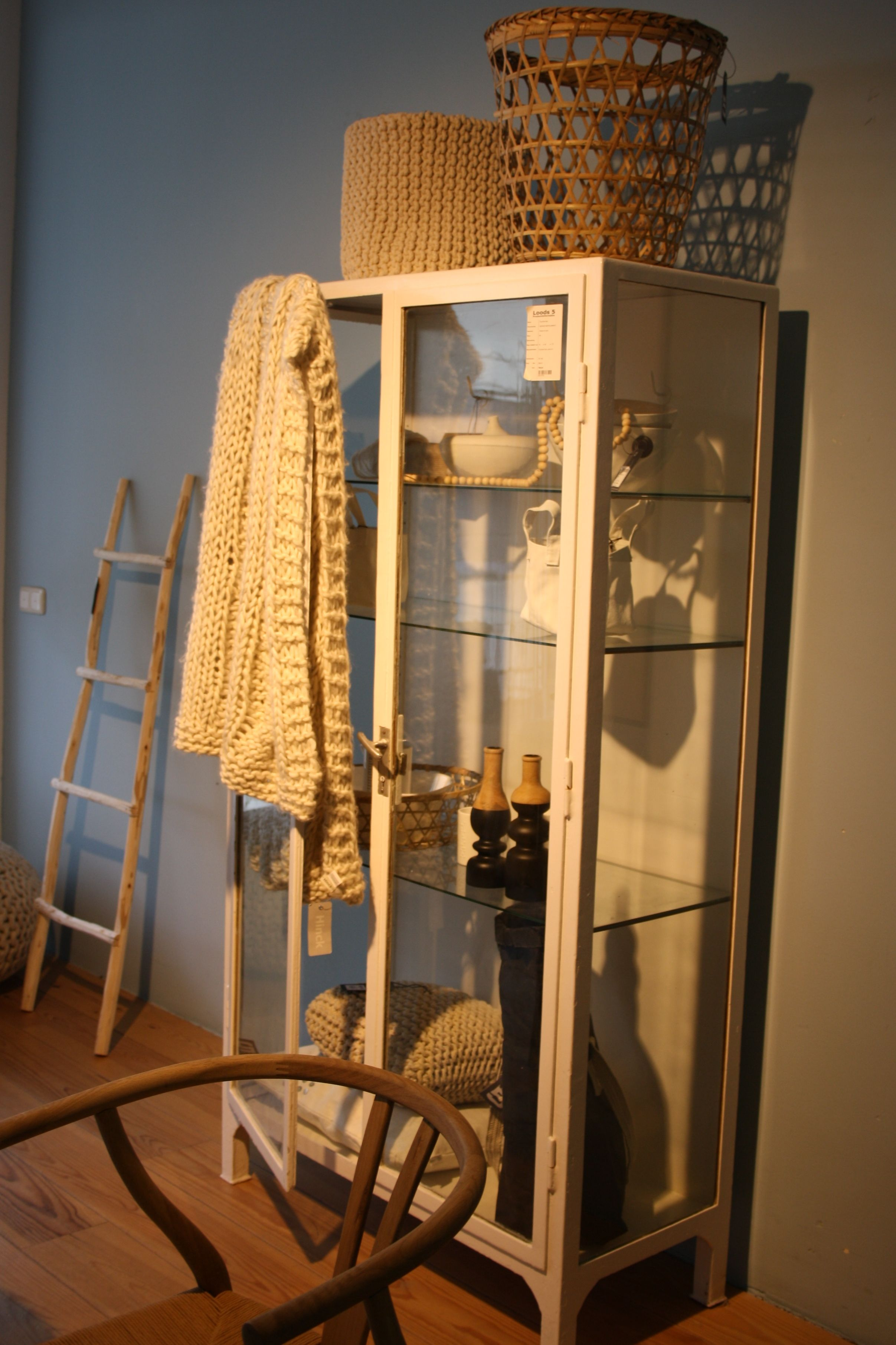 Lovely combination of different textures, with a Best of the Past - Industrial Vintage medical cabinet in the spotlight @Loods 5 Zaandam & Sliedrecht