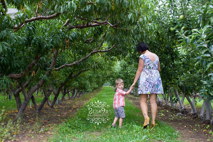 2 the 9s Photography Mother Mommy Son Orchard Portrait Photoshoot