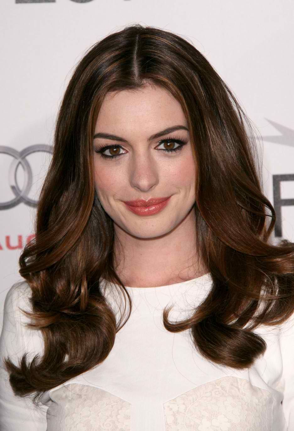 anne hathaway hair hairstyle and colors pinterest