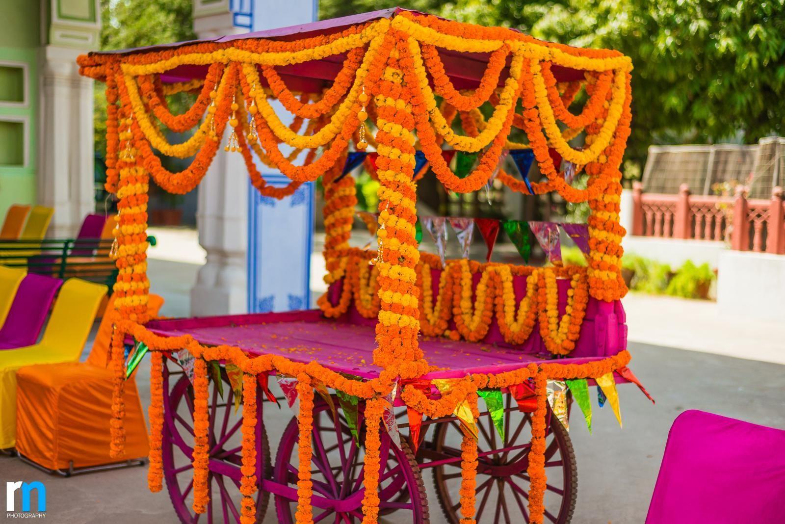 Mehndi Decoration At Home With Flowers : Bildergebnis für indian flower garland decoration