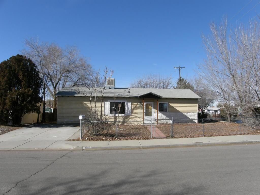 Price Reduced On This 3 Bedroom Farmington Home Investment Opprtunity Close To 20th And Butler Four Corners Home T Farmington Selling Your House Four Corners