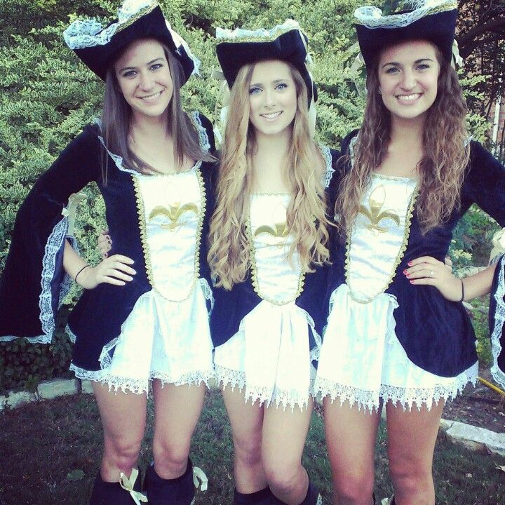 Three musketeers outfit adult