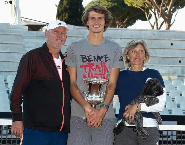 1st Masters 1000 Trophy Alexander Zverev Family Lovik Tennisspieler Tennis