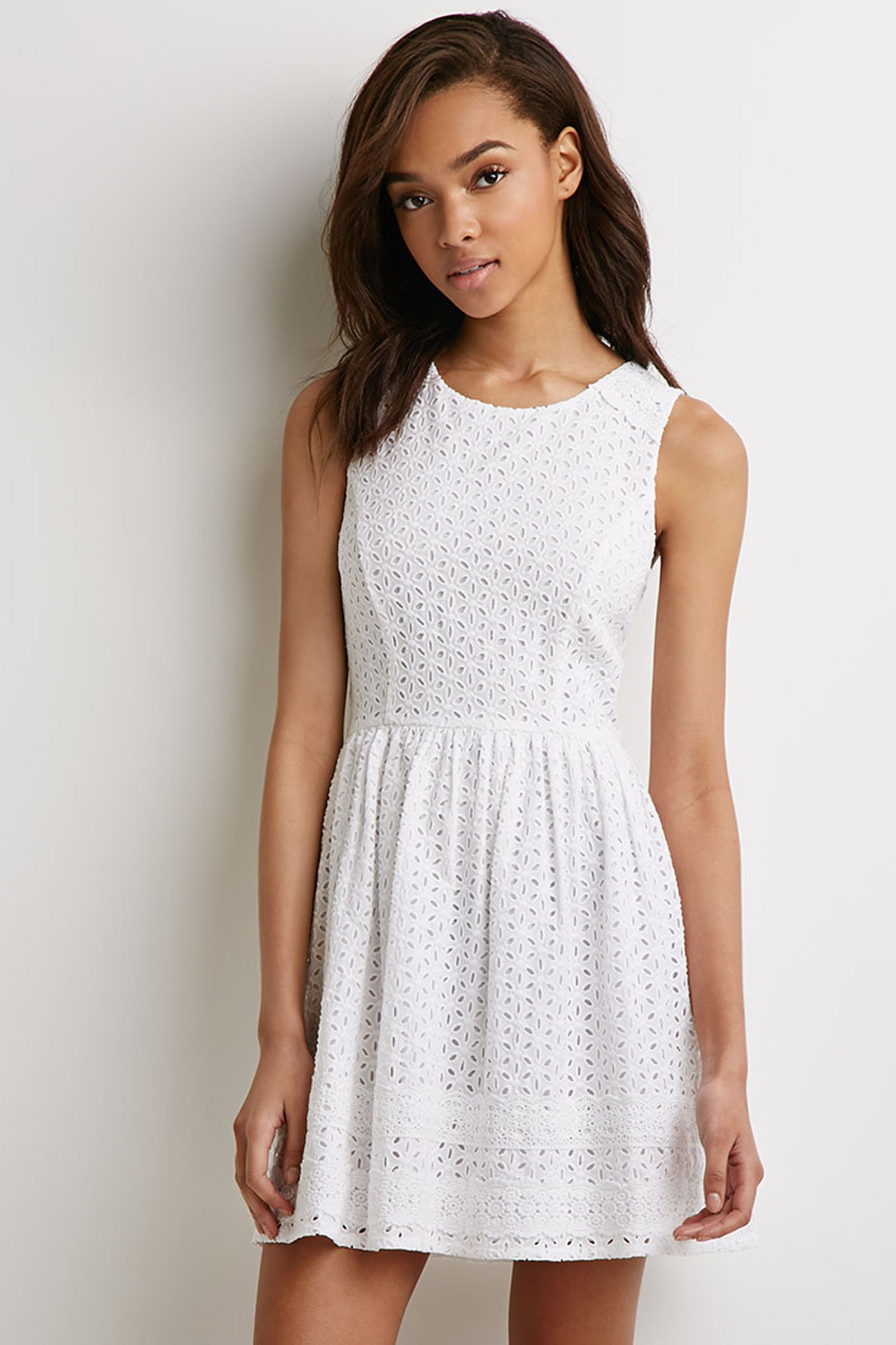 10 White Graduation Dresses Under 100 That Will Make You
