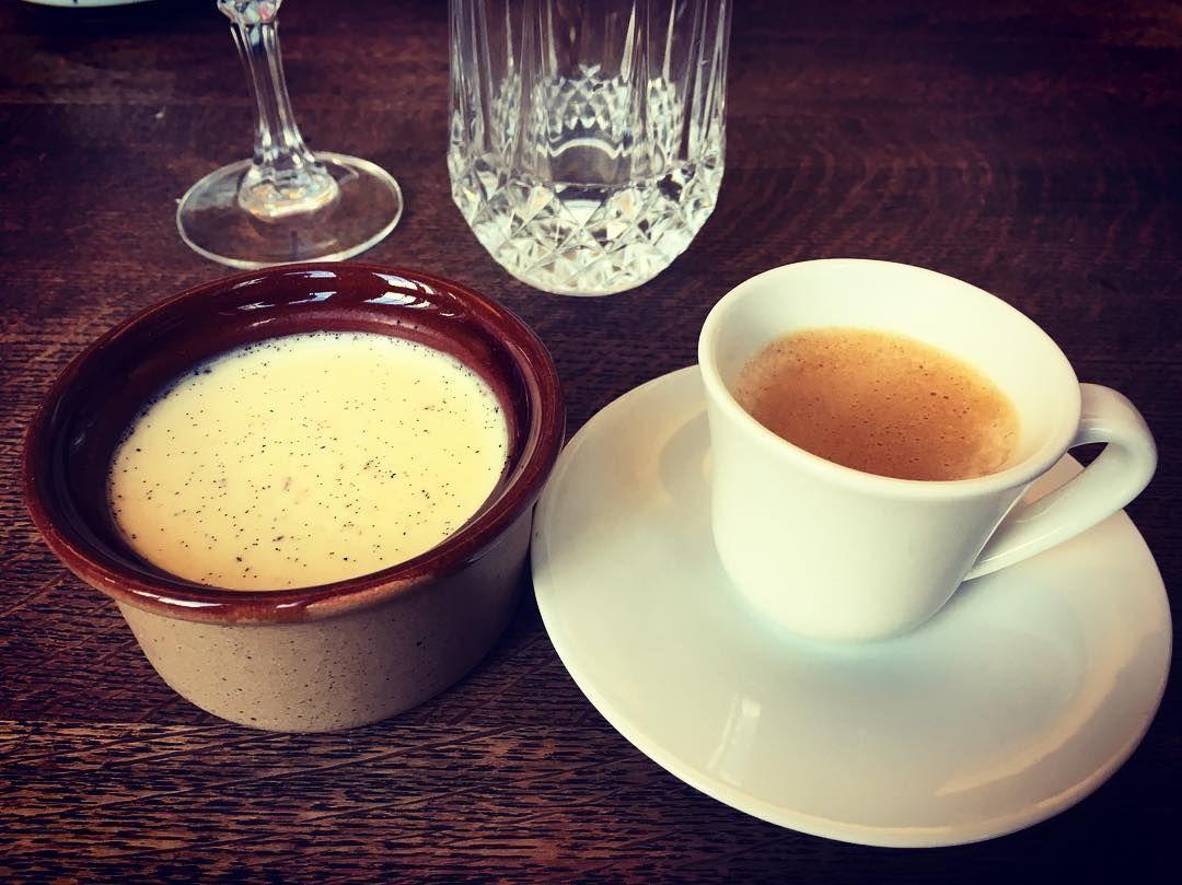 Panna cotta & espresso #birthday #celebration #birthdayparty #pannacotta #espresso #nespresso #wine #foodporn #foodie #foodstagram #desert #coffee #instadaily #instafood #instacoffee #instacelebration #instabirthday #instasaturday #yesweekend