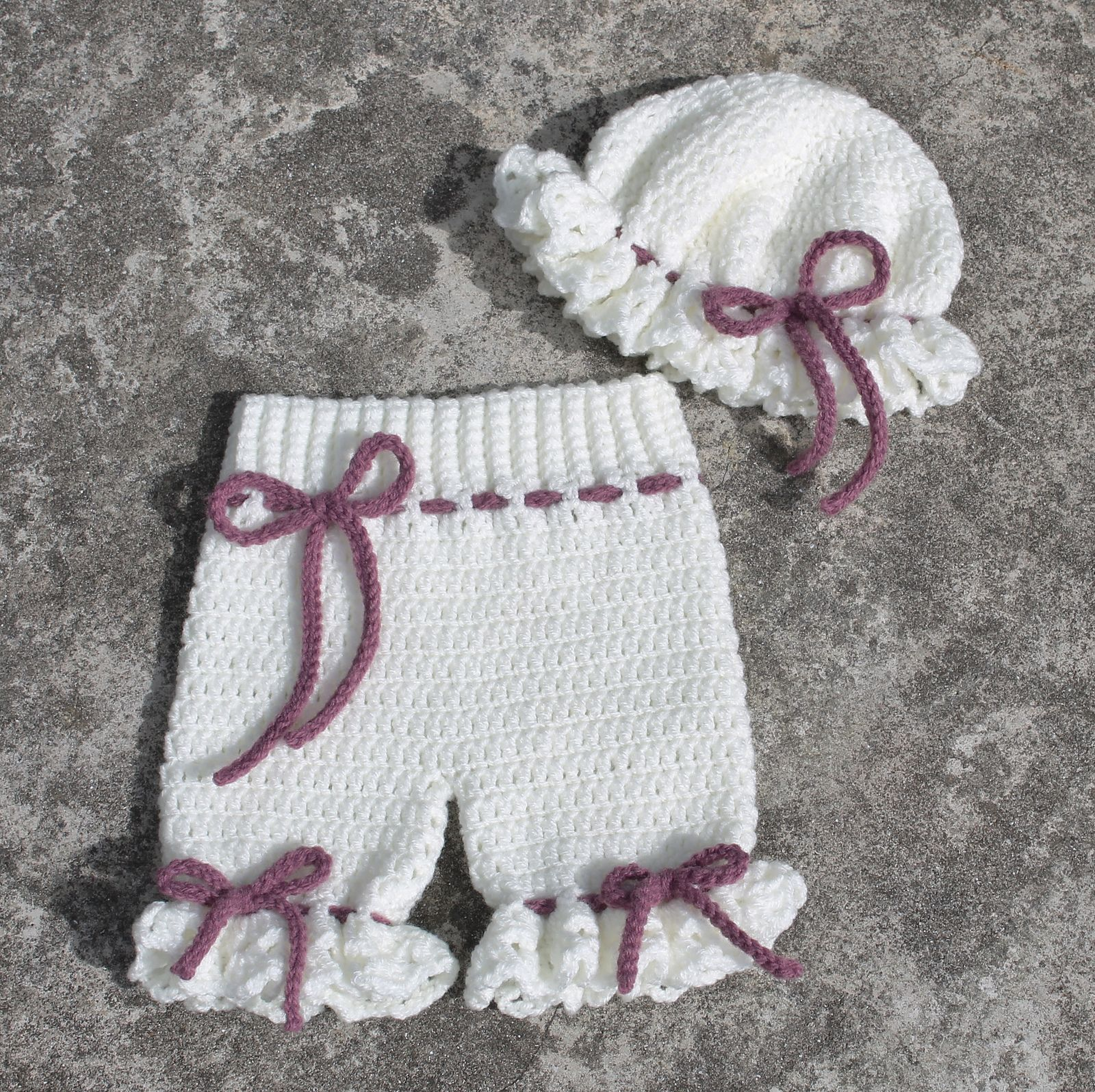 Add a touch of Victorian style to your photographs with this sweet little Pantaloons and Mob Cap pattern from Thomasina Cummings Designs. #handmade #tcdesignsuk #crochet