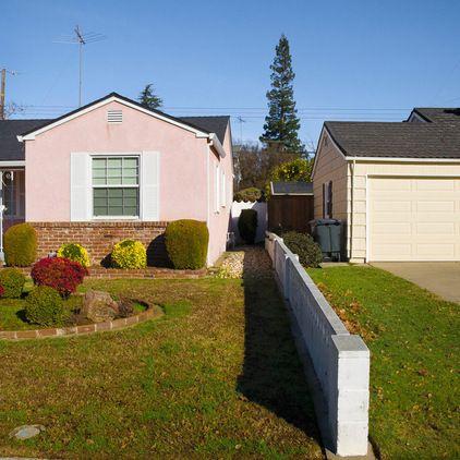 Bad Neighbor Yard Divider Ideas Google Search Outdoor