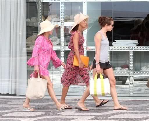 Resultado de imagen para charlotte casiraghi shopping