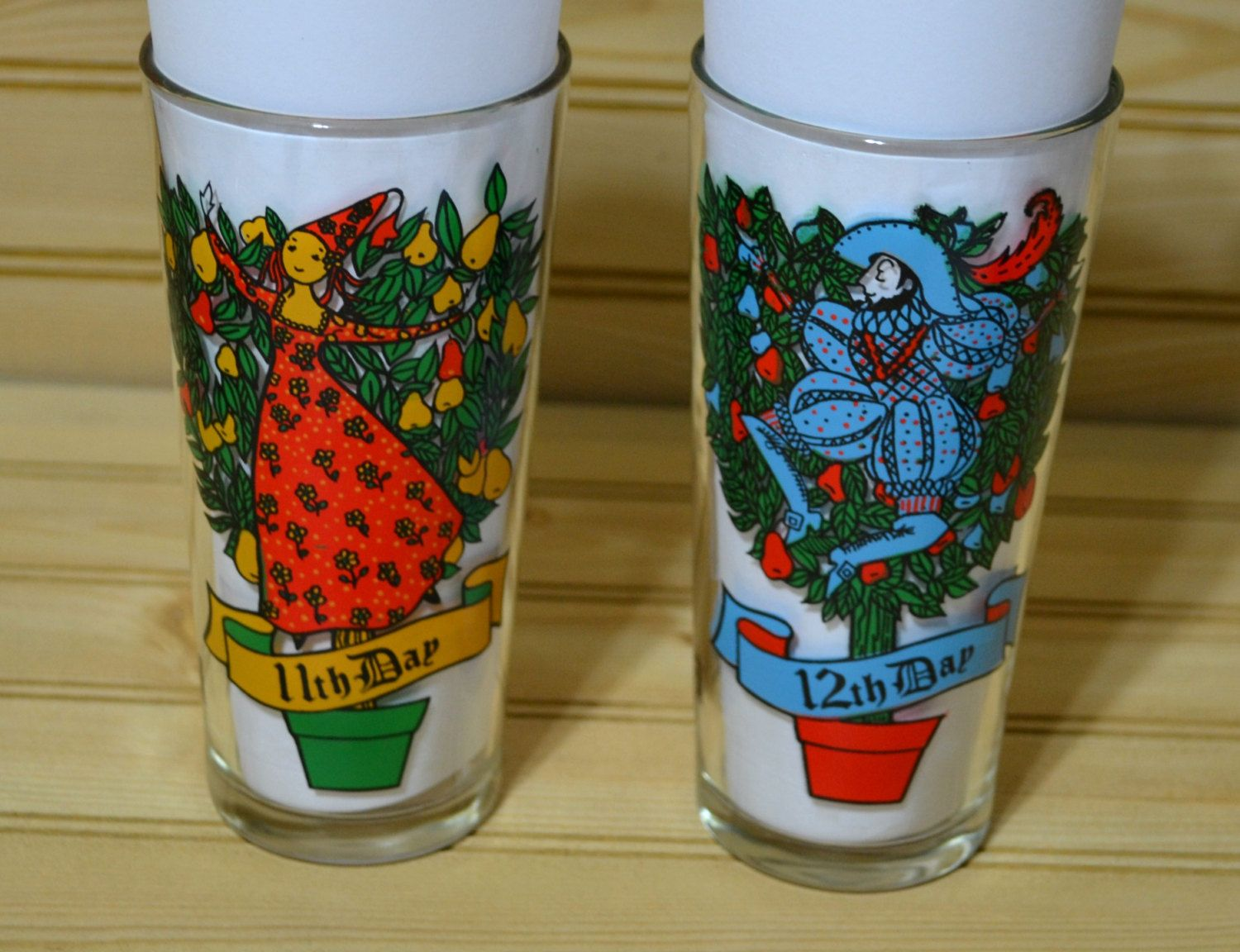 vintage pepsi holiday 12 days of christmas glasses collectible advertisement ladies dancing lords a leapingtaper glass advertising by grannysbackporchvint