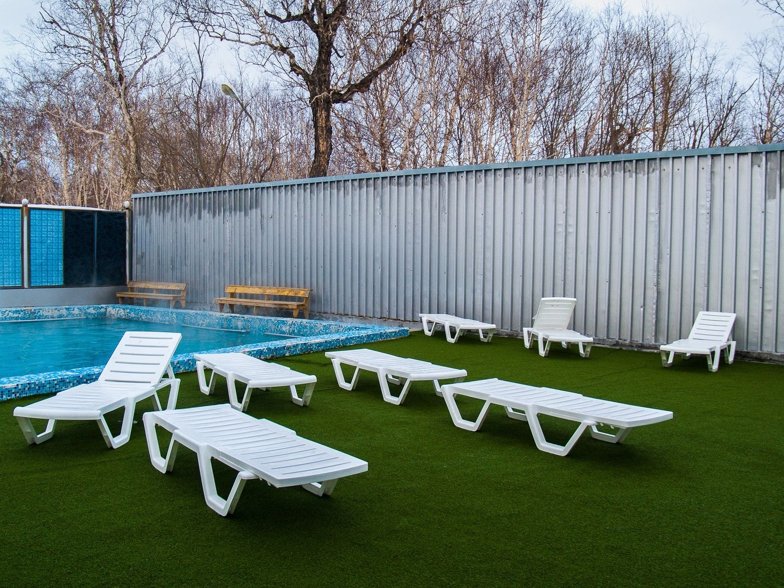 how to install artificial turf on concrete