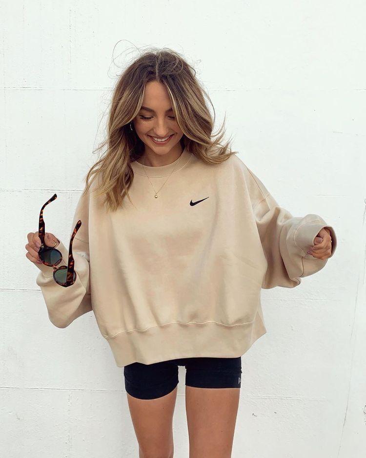 Nike Sportswear Women's Essentials Fleece Cropped Crew | DICK'S Sporting Goods