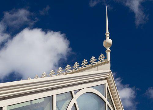 Finial Ridge Cresting On A Conservatory Finials Decor Solar