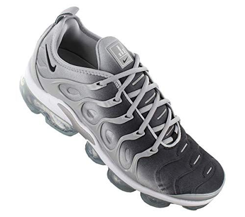 quality design 979f3 039b9 Amazon.com  NIKE Air Vapormax Plus - US 7.5  Fashion Sneakers