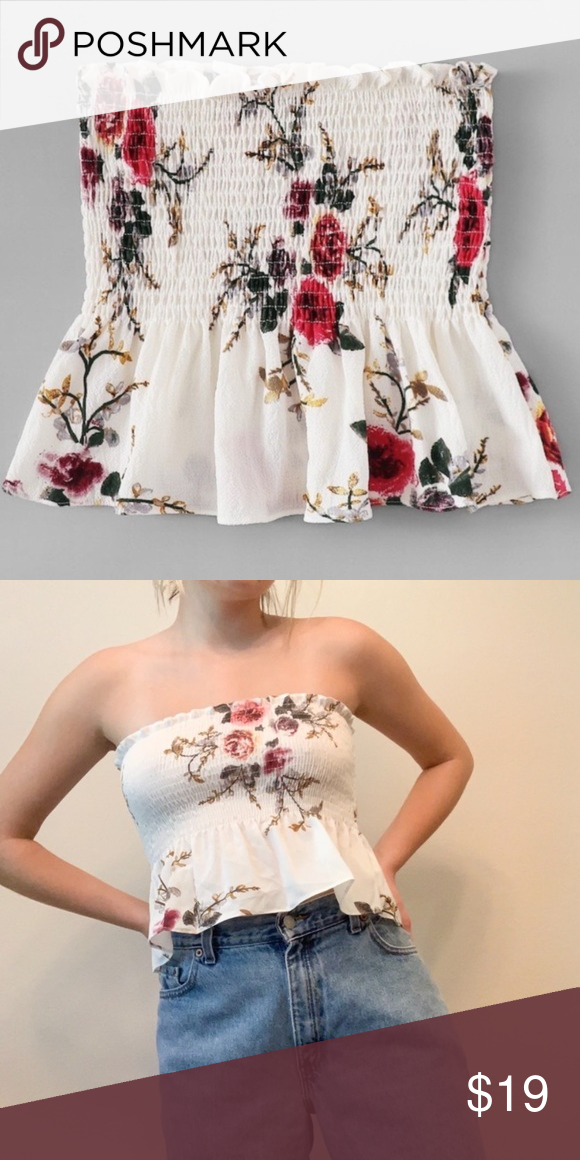 White Floral Cropped Tube Top new without tags ROMWE Tops Crop Tops #tubetopoutfits White Floral Cropped Tube Top new without tags ROMWE Tops Crop Tops #tubetopoutfits