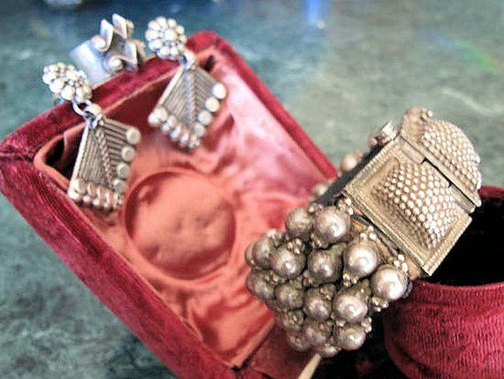 a85130a4e Vintage Indian Silver Jewelry Set: Bracelet, Earrings, and Ring-Free  Shipping #christmasgiftidea