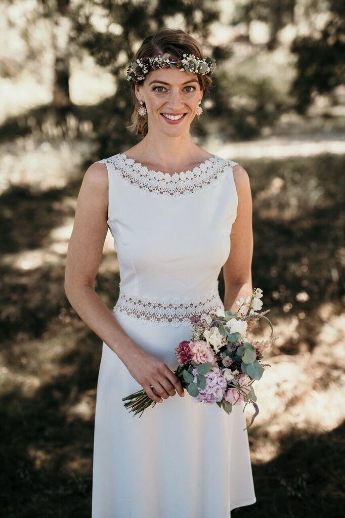 Das Perfekte Kleid Fur Das Standesamt Standesamtliche Trauung Kleid Brautkleid Standesamt Kurz Hochzeit Kleid Standesamt