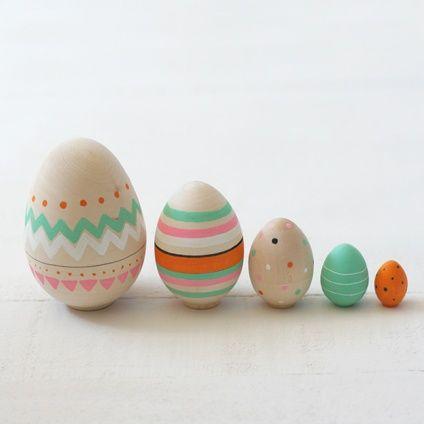 #wooden #nesting #eggs