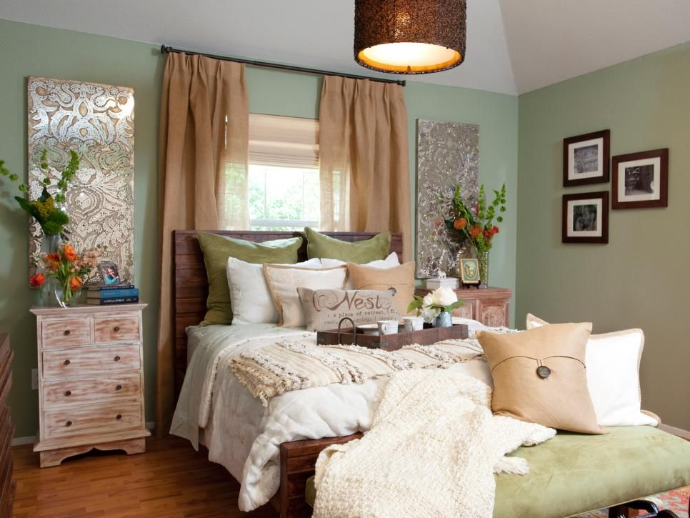Guest bedroom i love the combination of green brown and beige for a bedroom the décor really adds a lot of texture and interest