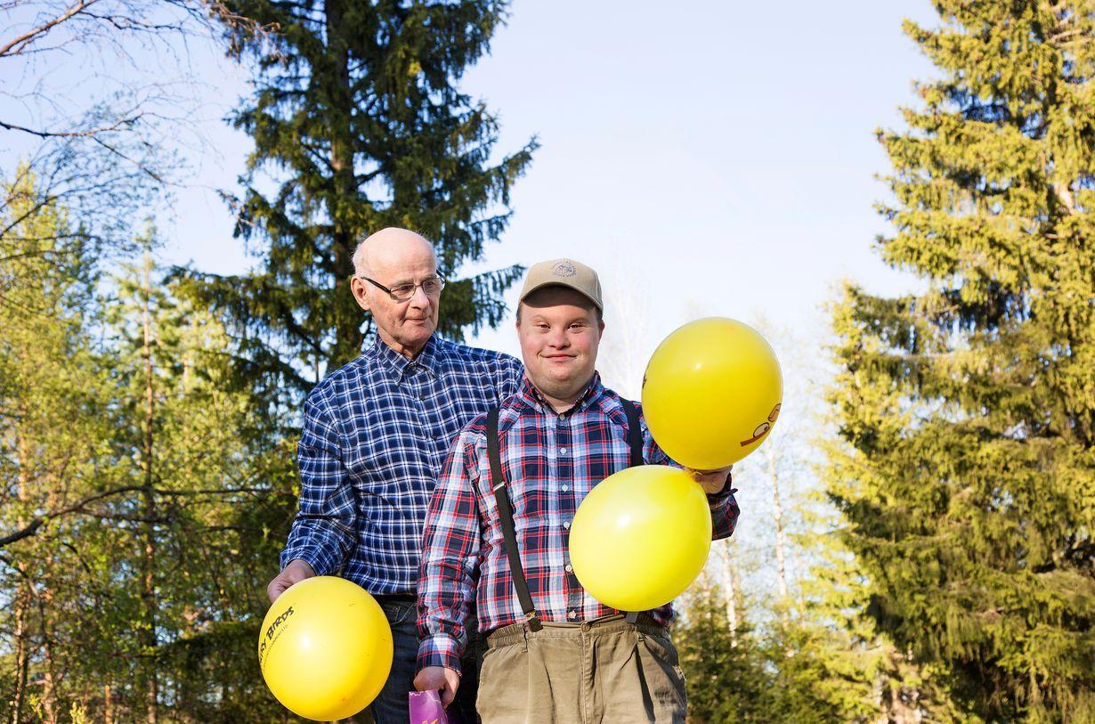 """Matti, 76, asuu kahdestaan Down-poikansa Pertin kanssa: """"Onni on pienissä…"""