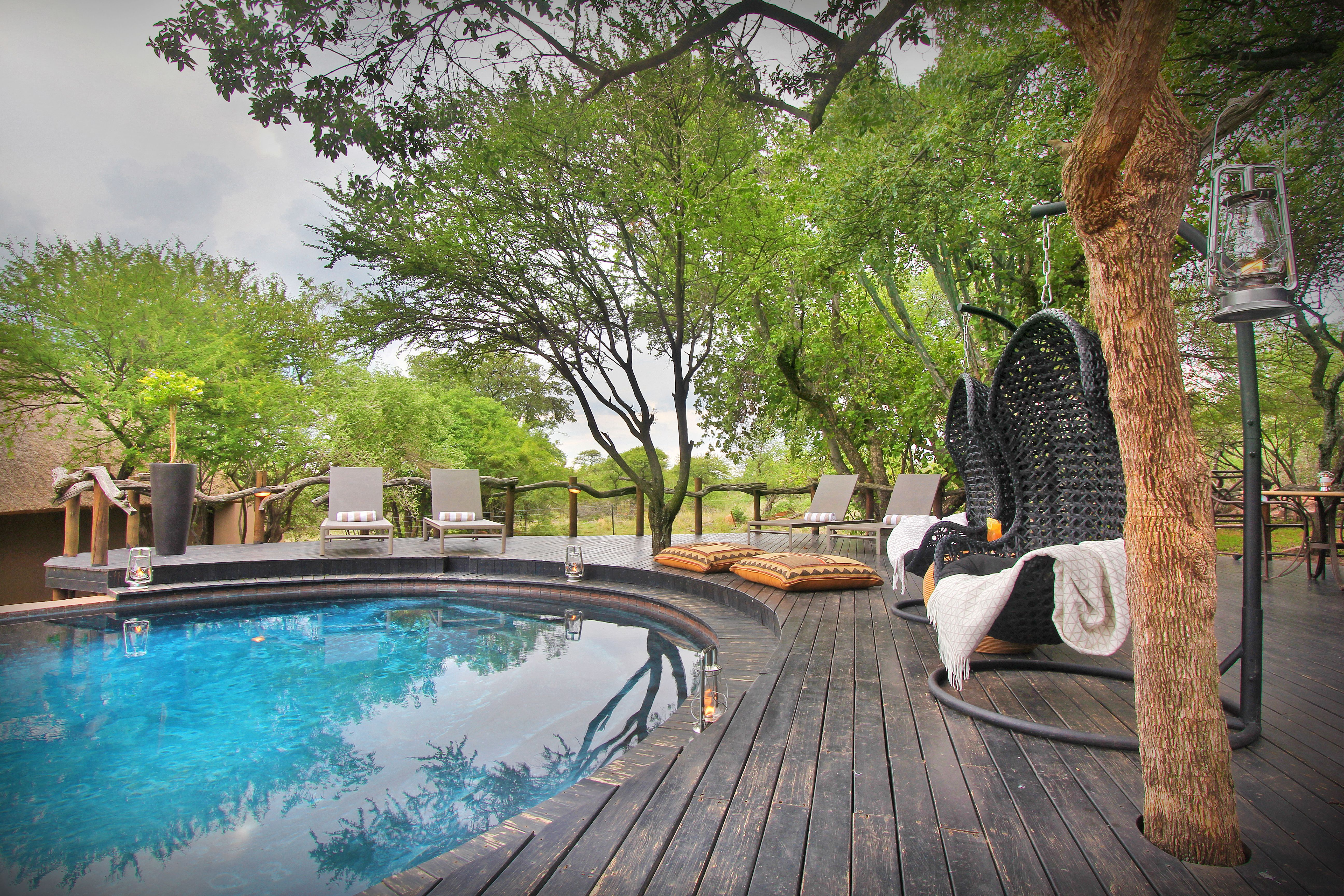 Located In The Mabalingwe Nature Reserve The Itaga Lodge Is Situated On A 12 000 Hectare Malaria Free Game Reserve That Is Home To T Game Lodge Private Games Lodges